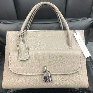 NWT Mark Jacobs Lock That Leather Tote